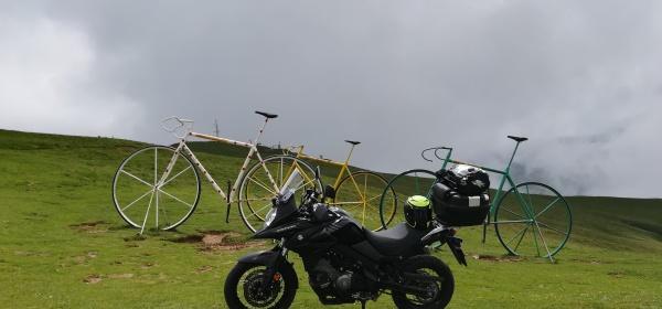 motorouring, motocicleta, motorbike, motorurismo, big trail, moto, adventure bike, viaje en moto, rutas en moto, turismo en moto suzuki, v-strom, dl650, aubisque