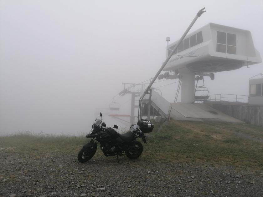 moto, telesilla, niebla, superbagnères